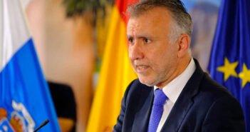 """Мигранты - """"яблоко раздора"""" между правительством Канар и центральным Испании"""