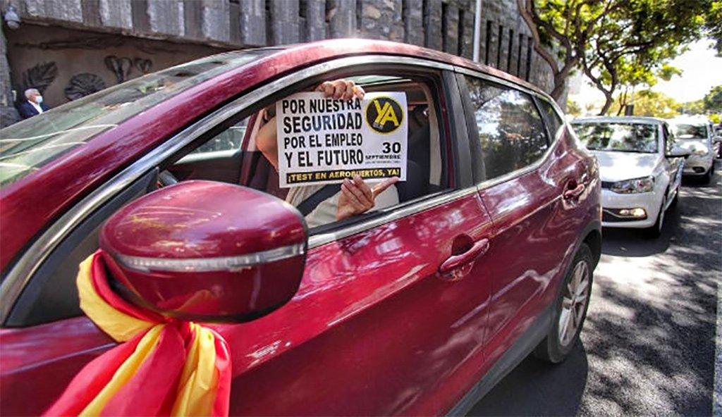 Тенерифе: караван в десетки километров по имя спасения туризма
