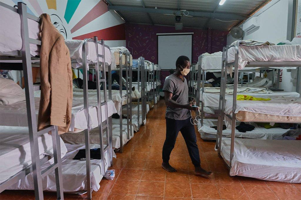 На острове Фуэртевентура против размещения мигрантов в отелях