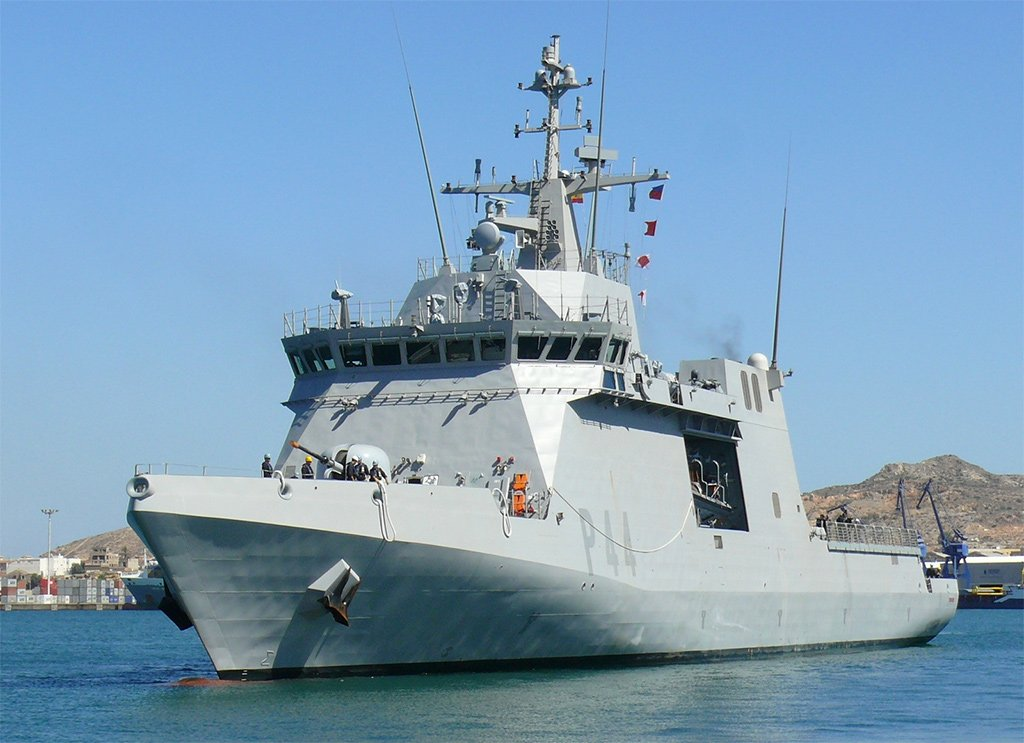 К чему бы это? Корабль ВМС Испании будет патрулировать между Африкой и Канарами