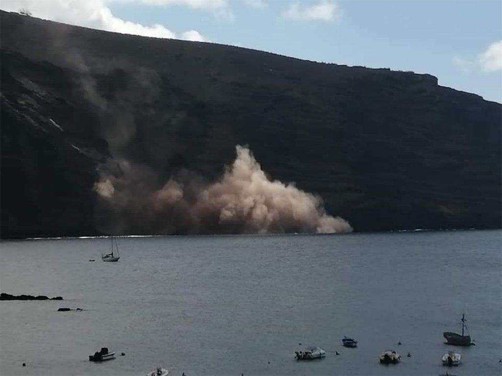 Крупный оползень в Valle Gran Rey - возможны жертвы