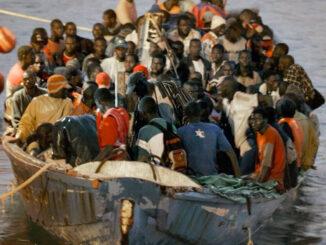 Канары: ничто не останавливает поток лодок с нелегальными мигрантами