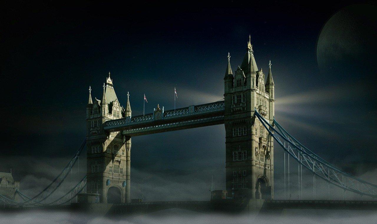 Туристы из Великобритании почти уже за горизонтом…